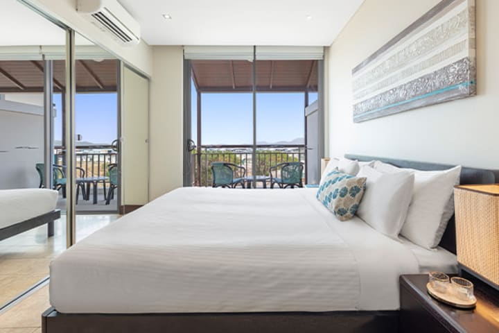 Oaks Santai Resort Casuarina 2 Bedroom Apartment Bedroom