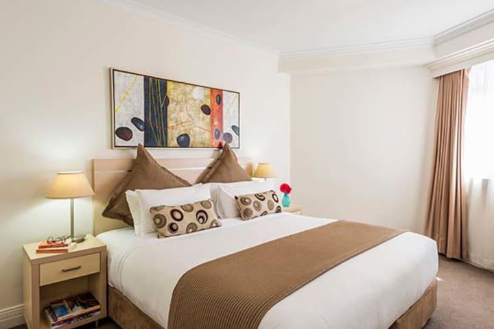 Oaks Sydney Castlereagh Suites Official Website Serviced Apartments Sydney Cbd