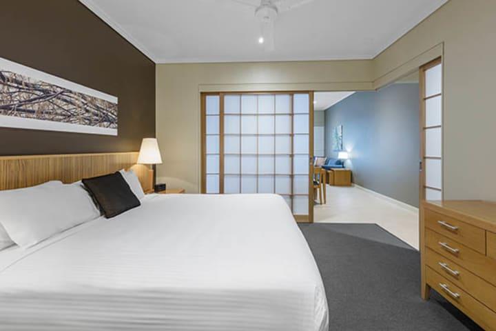 Oaks Resort and Spa Hervey Bay 1 Bedroom Pool View Bedroom