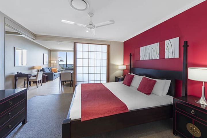 Oaks Resort Spa Hervey Bay 1 Bedroom Premier Ocean View Bedroom