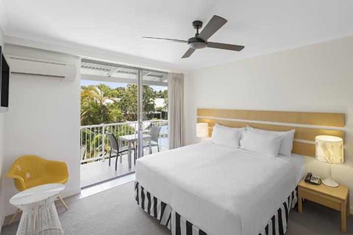 1 bedroom holiday apartment port douglas queensland