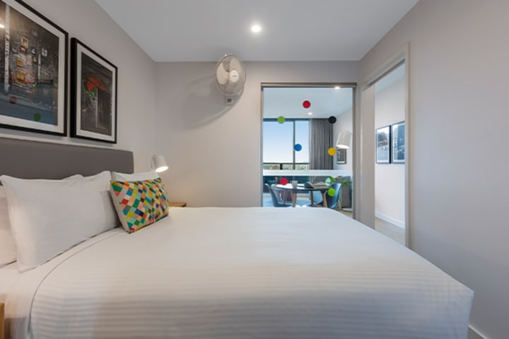 Oaks Melbourne Southbank Suites 1 Bedroom View Bedroom