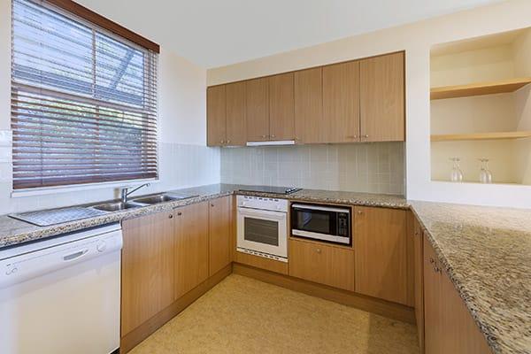 Oaks Cypress Lakes Resort 3 Bedroom Villa Kitchen