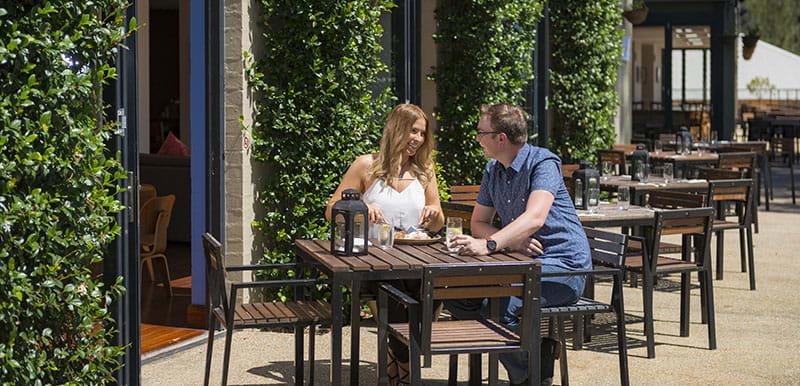 couples eating outside at popular Bodega Restaurant hunter valley