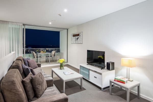 air conditioned 1 bedroom hotel accommodation in port stephens