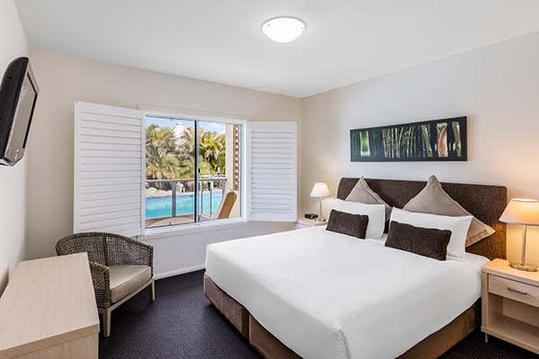 air conditioned 2 bed apartment at oaks pacific blue resort hotel in port stephens new south wales