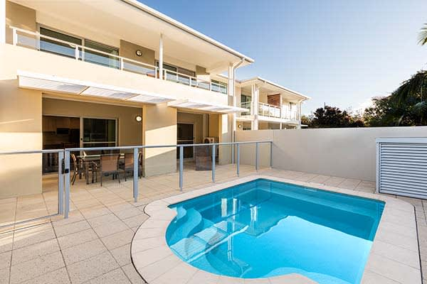 plunge pool outside oaks pacific blue resort 3 bedroom hotel apartment in port stephens nsw