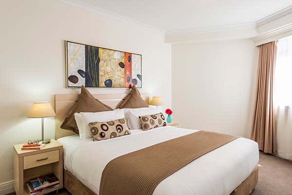 family friendly en suite 3 bedroom apartment at Oaks on Castlereagh in Sydney city centre