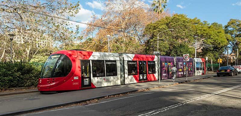 tram nearby oaks on castlereagh sydney hotel
