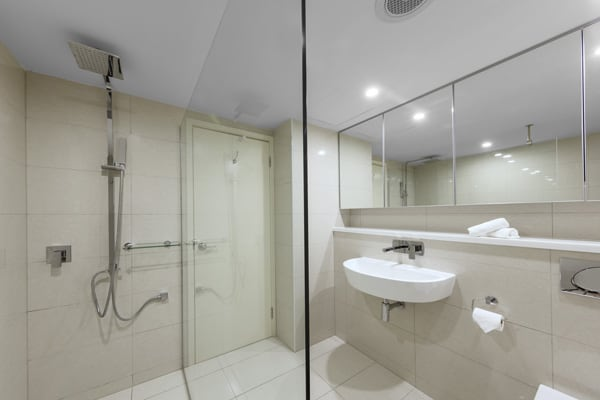 en suite bathroom with big shower in 2 bed apartment in Darwin, Northern Territory, Australia