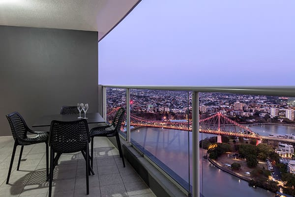 Oaks Brisbane Aurora Suites 1 Bedroom Apartment River View