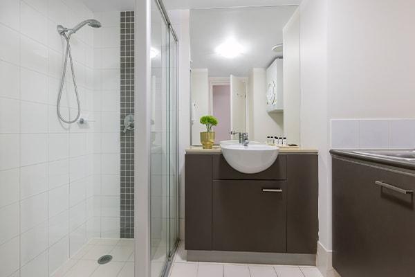 Oaks Brisbane Casino Tower Suites 1 Bedroom River View Apartment Bathroom