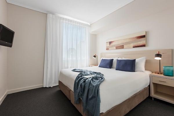 Oaks Brisbane Casino Tower Suites 1 Bedroom River View Apartment Bedroom