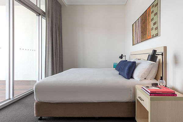 Oaks Casino Towers 3 bedroom apartment on George street Brisbane city with large balcony