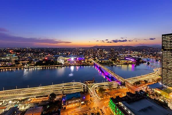 Oaks Brisbane Casino Tower Suites 3 Bedroom Apartment River View
