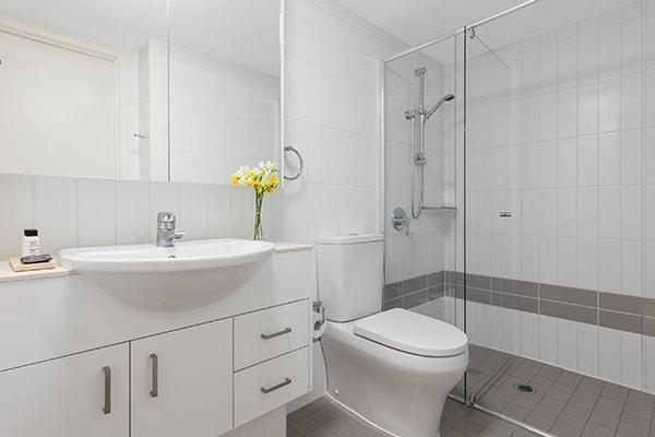 Oaks Brisbane on Felix Suites 1 Bedroom Executive Bathroom with Shower