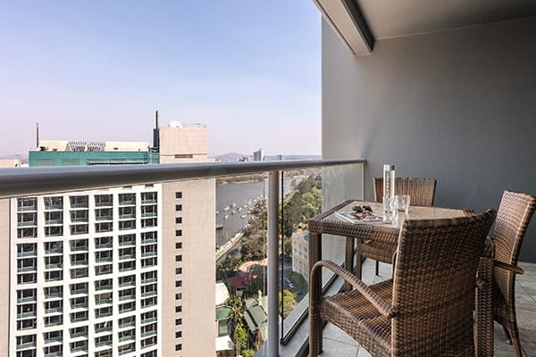 balcony with views of Story Bridge and Brisbane river at Oaks Felix hotel