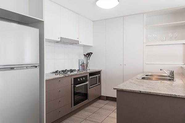 Oaks Brisbane on Felix Suites 2 Bedroom River View Kitchen