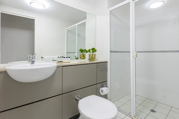 iStay River City two bedroom bathroom one