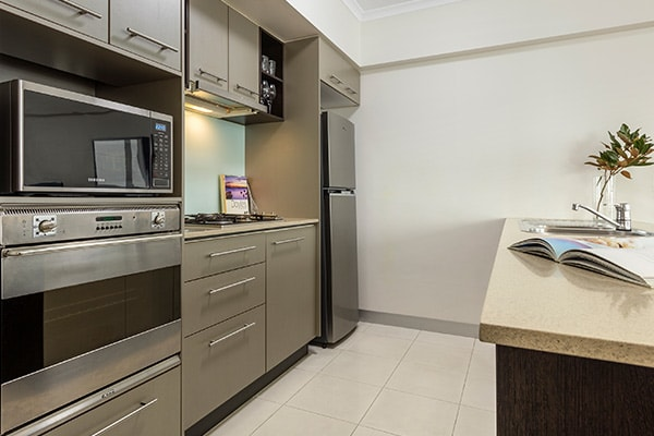 iStay River City two bedroom kitchen