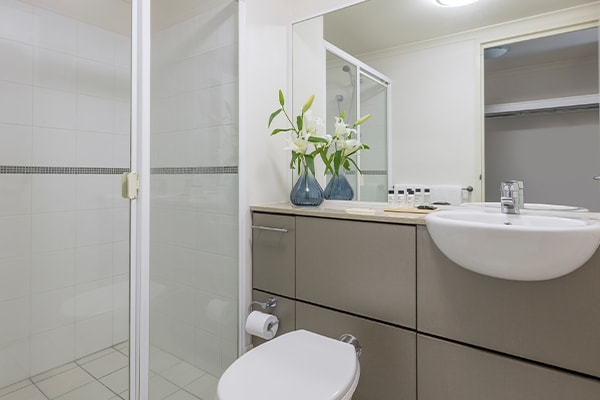 iStay River City two bedrooms river view bathroom one