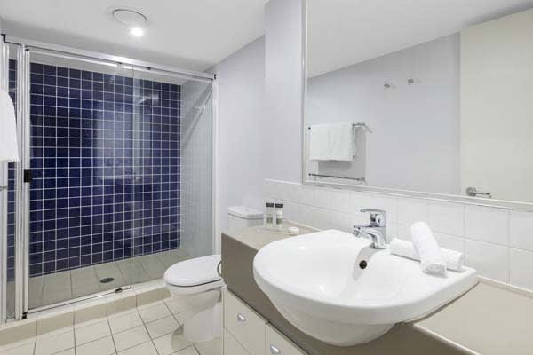 Oaks Brisbane Lexicon Suites 1 Bedroom Executive Bathroom