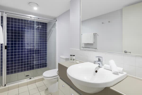 Oaks Brisbane Lexicon Suites 2 Bedroom Executive Bathroom