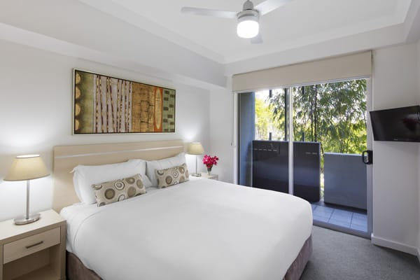 air conditioned 2 bedroom apartment in Bowen Hills Hotels with television and small balcony area