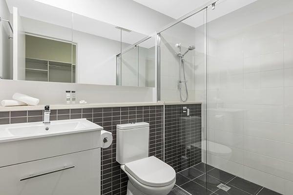 Oaks Brisbane Woolloongabba 2 Bedroom Executive Bathroom
