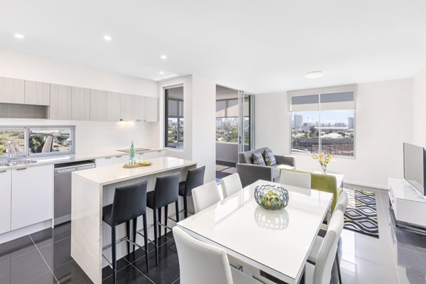 large living room in 2 bedroom apartment walking distance to The Gabba cricket stadium in Brisbane