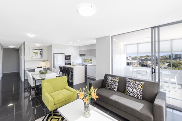 air conditioned hotels woolloongabba with modern furniture in 2 bedroom apartment near The Gabba AFL ground