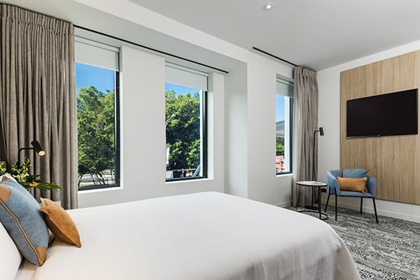 oaks cairns hotel 2 bedroom dual key out 3 600x400
