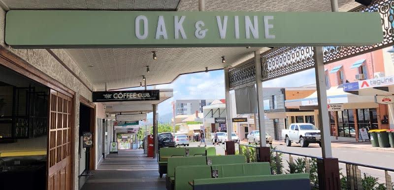 oak and vine restaurant at oaks grand gladstone queensland australia exterior