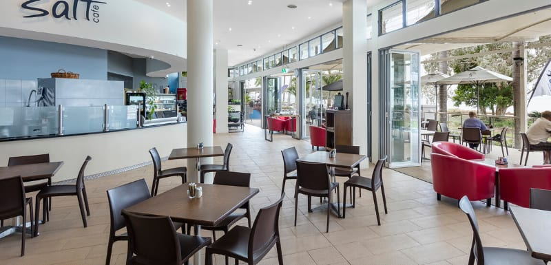 Oaks Resort and Spa Hervey Bay Cafe