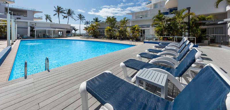 Oaks Resort and Spa Hervey Bay Pool Lounge