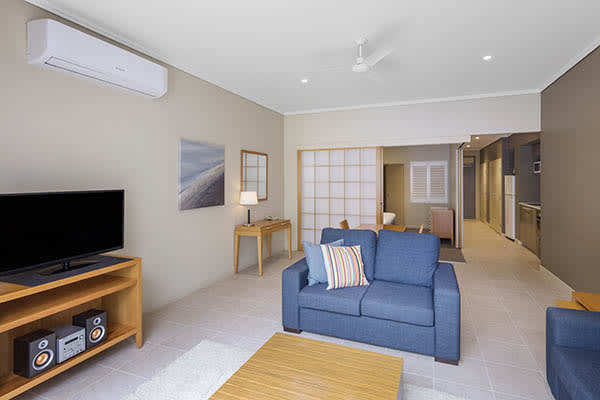 Oaks Resort Spa Hervey Bay 1 Bedroom Ocean View Living Room