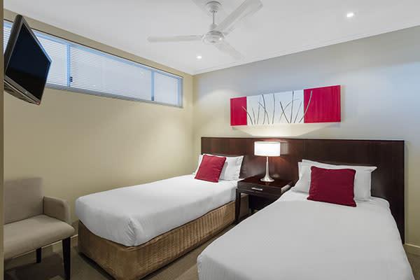 Oaks Resort Spa Hervey Bay 2 Bedroom Premier Ocean View Bedroom