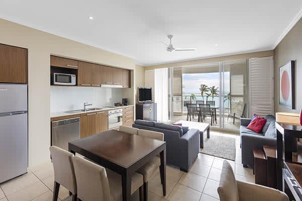 Oaks Resort Spa Hervey Bay 2 Bedroom Premier Ocean View Kitchen