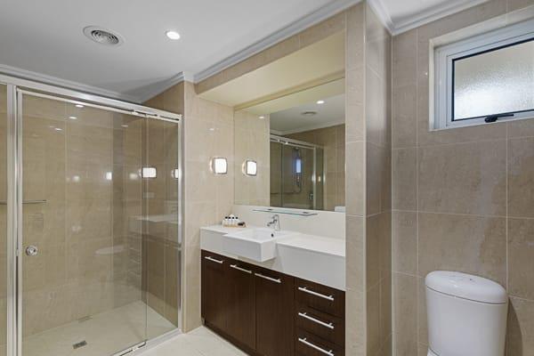 Oaks Hervey Bay Resort and Spa 3 Bedroom Penthouse Bathroom