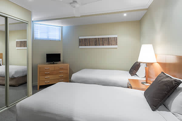 Oaks Resort Spa Hervey Bay 3 Bedroom Pool View Bedroom