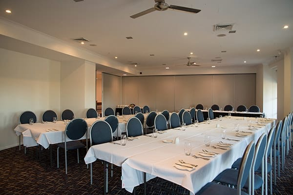 spacious cheap meeting room for hire in Townsville for events