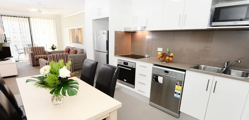 air conditioned 2 bedroom apartment with Wi-Fi, TV and microwave close to Moranbah airport at Oaks Moranbah hotel