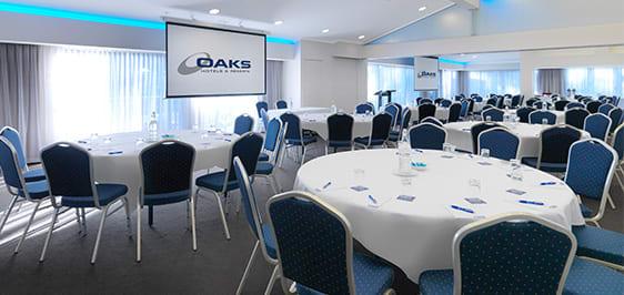 Oaks Oasis Resort Conferencing state verandah