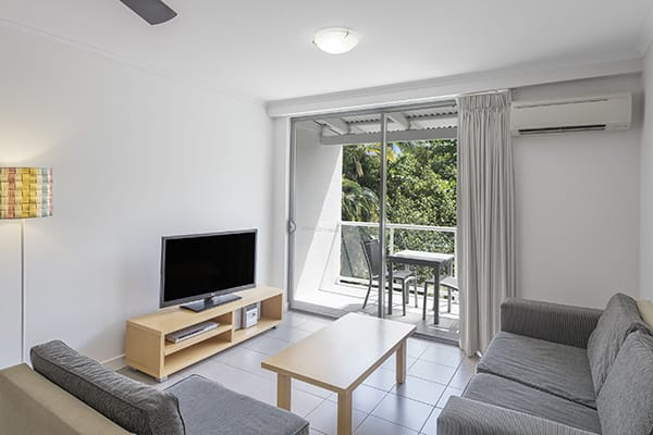 Oaks Resort Port Douglas holiday apartments with aircon