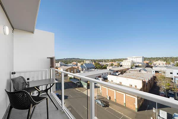 Oaks Toowoomba Hotel Hotel Executive Room Balcony