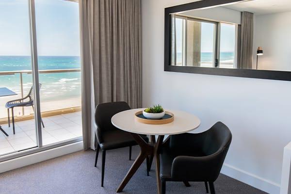 Oaks Glenelg Plaza Pier Suites 1 Bedroom Premier Ocean View Dining