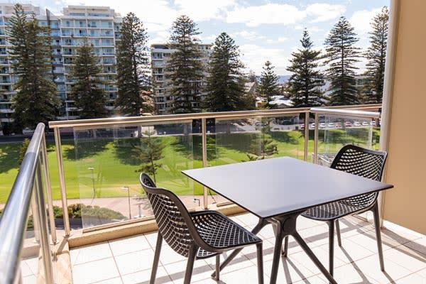 Oaks Glenelg Plaza Pier Suites 1 Bedroom Premier Park View Balcony