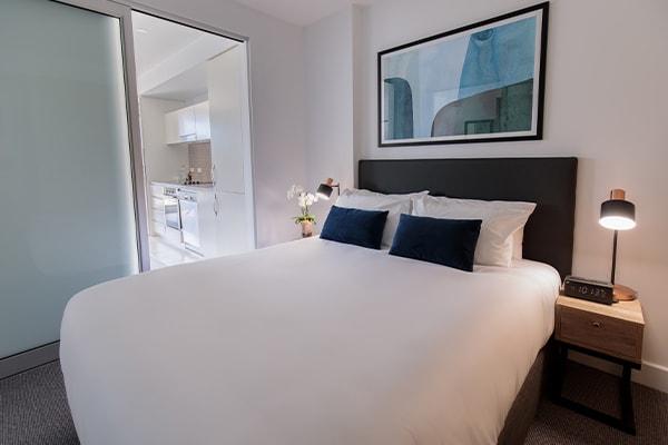 Oaks Glenelg Plaza Pier Suites 1 Bedroom Premier Park View Bedroom