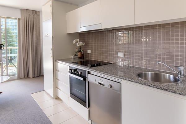 Oaks Glenelg Plaza Pier Suites 1 Bedroom Premier Park View Kitchen