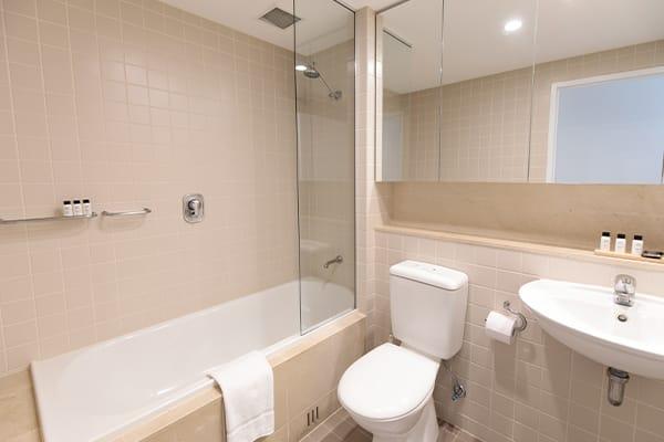 Oaks Glenelg Plaza Pier Suites 2 Bedroom Premier Ocean View Bathroom